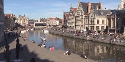 River floating through Ghent